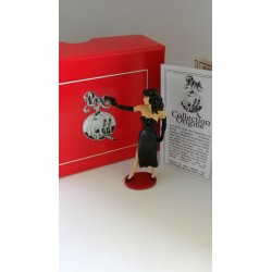 Figurine PIN-UP AU PISTOLET BERTHET - Pixi 05331