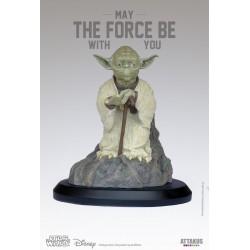 Figurine Yoda using the...